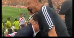 Enlace a El desmayo de Julio Cesar después del segundo gol de Gabigol, pedazo de susto
