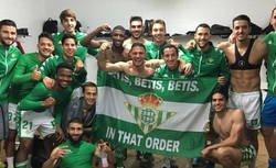 Enlace a El Real Betis usa la famosa bandera de Bale en Gales para celebrar una victoria y sale totalmente escaldado por este motivo