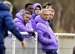 Enlace a El staff del Tottenham nos representa