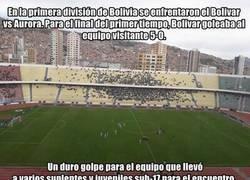 Enlace a El vergonzoso final de partido en Bolivia con un equipo que solo llevó a 6 jugadores