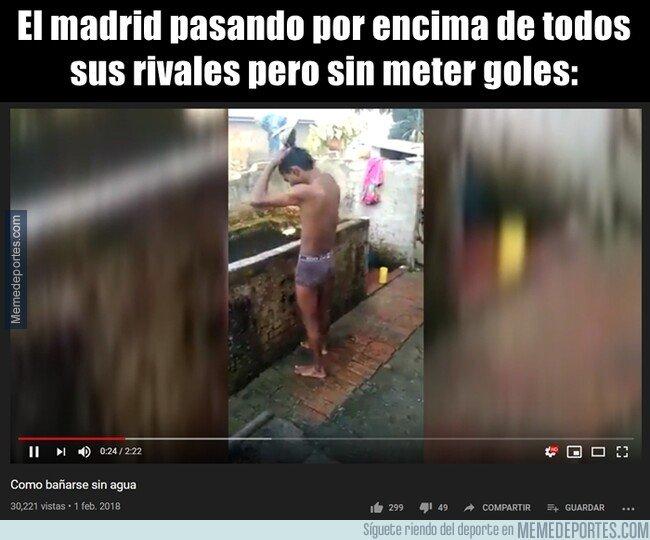 1094273 - Los baños del Madrid be like...