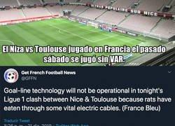 Enlace a El partido en Francia jugado sin VAR por culpa de ratones.