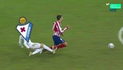 Enlace a Un duro golpe del Eibar al Atleti