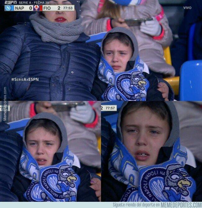 1096163 - En Italia se hizo viral este nene llorando por la crisis del Napoli. ¿Se le sumará al Milan?