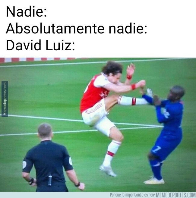 1096517 - David Luiz se ha convertido en un esperpento defensivo