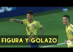 Enlace a El gol 'maradoniano' de Jorge Carrascal en el Preolímpico sudamericano que está dando la vuelta al mundo