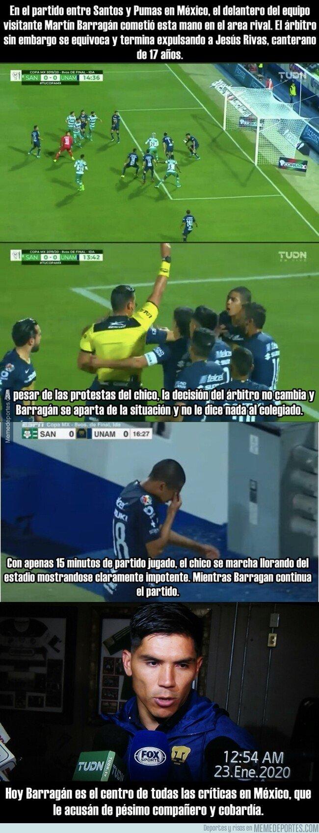 1096599 - Indignación en México por un jugador que dejó que expulsaran a un compañero por su culpa