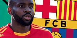 Enlace a Cédric Bakambu descubre que el Barça estuvo fichado por el Barça y 'Transfermarkt' trolea su perfil añadiendo este detalle