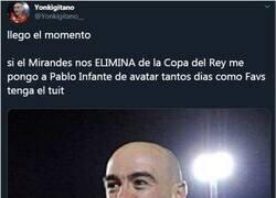 Enlace a Sevillista cumple su promesa después de la victoria del Mirandés