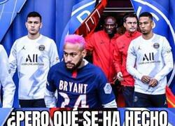 Enlace a Las reacciones que deja el nuevo look de Neymar a su paso