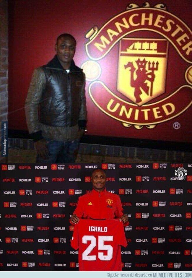 1097665 - Ighalo en 2013 visitando Old Trafford como fanático y ahora en 2020 como nuevo fichaje
