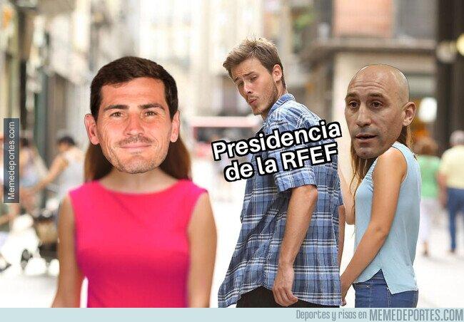 1098212 - Casillas amenaza con ocupar el cargo de Rubiales