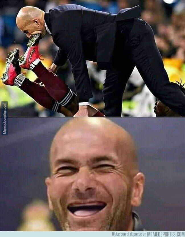 1098590 - Una ortodoncia para Zidane.