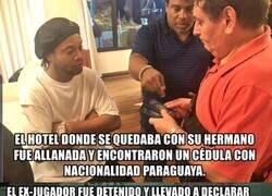 Enlace a El tremendo escándalo de Ronaldinho en Paraguay por un documento falso para entrar al país