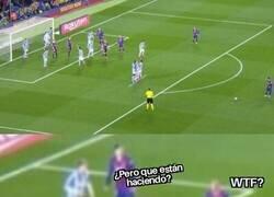 Enlace a Las nuevas y extrañas maneras de defender las faltas de Messi