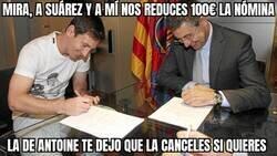 Enlace a Messi negociando la rebaja de las fichas de la plantilla del Barça