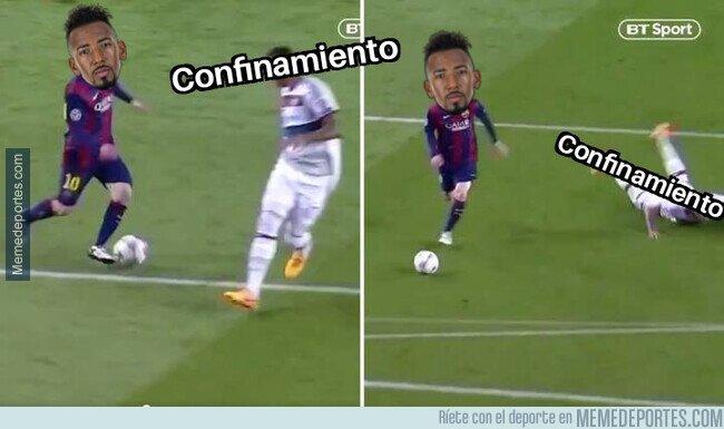 1102020 - Boateng se salta el confinamiento como Messi le saltó a él