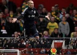 Enlace a 10 años ya de este golazo de Robben