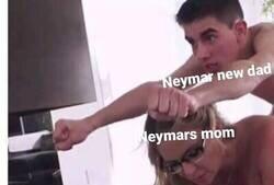 Enlace a Thiago Ramos, el gamer haciendo de las suyas con la mamá de Neymar