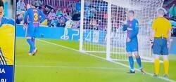 Enlace a Jamás olvidaré a los chinos del Barça celebrando esta expulsión de Piqué