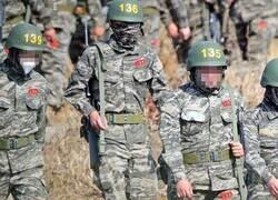 Enlace a La primera imagen de Son Heung Min cumpliendo su servicio militar. Infante número 136