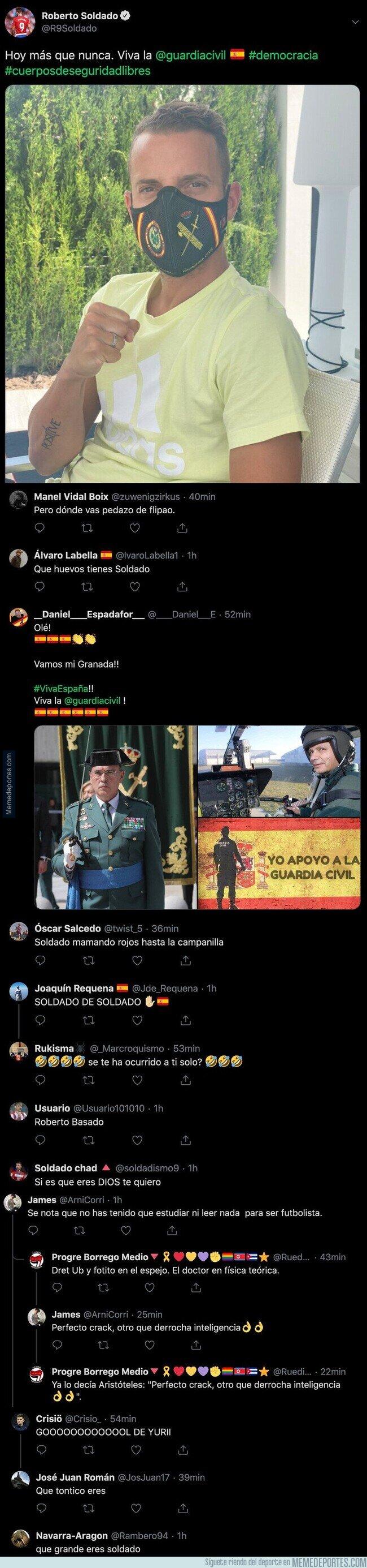 1105267 - Roberto Soldado la lía en Twitter subiendo esta foto con una mascarilla apoyando a la Guardia Civil