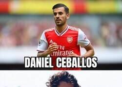 Enlace a Un extraño jugador se ha presentado en las instalaciones del Arsenal