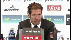 Enlace a Hace 7 años Simeone se rehusó a hacer una rueda de prensa por respeto al Zaragoza que había descendido. Se fue entre aplausos.