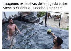Enlace a ¡Menudo piscinazo de Messi!