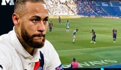 Enlace a El abuso de Neymar que no se contiene ni en amistoso. Un jugón puro como pocos.