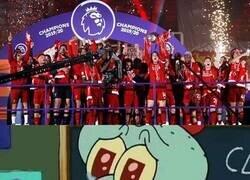 Enlace a Los hinchas del Liverpool viendo su primera Premier