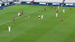 Enlace a Gianluca Rochi se retiró del fútbol y le hicieron un pasillo de despedida. Ojito con las confianzas.