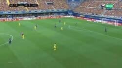 Enlace a El impresionante gol del Huesca al Villarreal, con tintes de individualidad, rapidez y juego en equipo