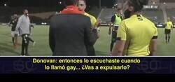 Enlace a Landon Donovan retira a su equipo del campo después de que a uno de sus chicos le gritaran insultos homófobos
