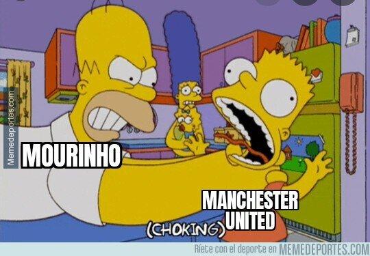 1117256 - Mourinho no tolera al United