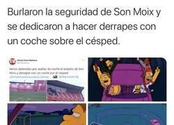 Enlace a Borrachos derrapan sobre el Cesped del Estadio del Mallorca.