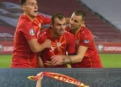 Enlace a El mítico Goran Pandev anotó el gol que metió a Macedonia a la Euro. Le ganó el llanto
