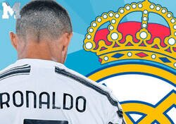 Enlace a 10 leyendas que salieron del Real Madrid por la puerta de atrás