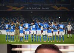 Enlace a El homenaje del Napoli a Maradona en la comeptición que conquistó