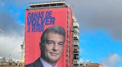 Enlace a Este vecino de al lado de la gran pancarta de Laporta en Madrid no debe estar muy contento