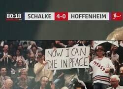 Enlace a La última vez que el Schalke ganó un partido, la única corona que conocia el mundo era una cerveza.