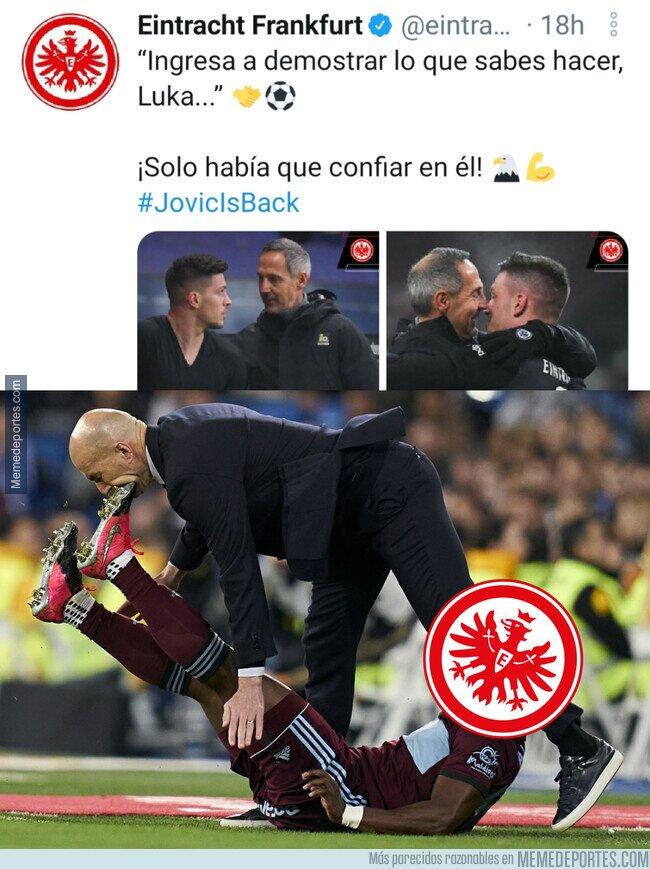 1125801 - El 'palito' del Eintracht Frankfurt a Zidane