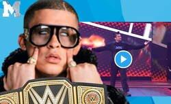 Enlace a ¿Pero esto qué es? Bad Bunny irrumpe en el Royal Rumble de la WWE y acaba con dos contrincantes