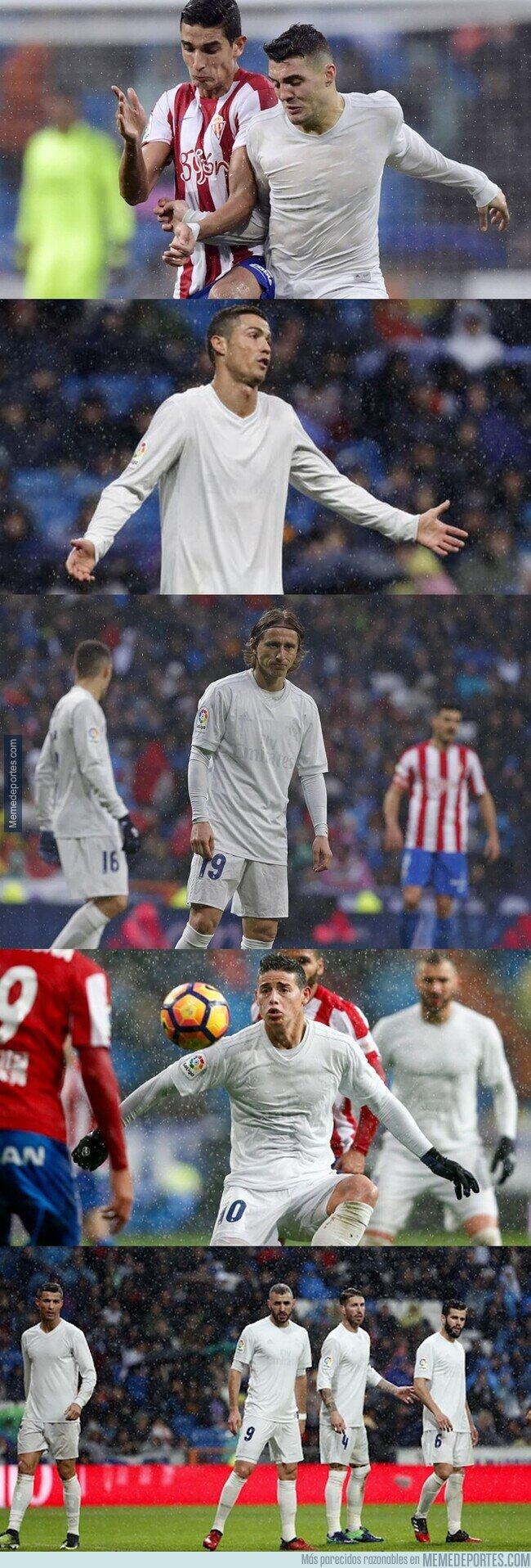 1128661 - El día que el Madrid usó una camiseta hecha de plástico reciclado y quedó completamente blanca por la lluvia.