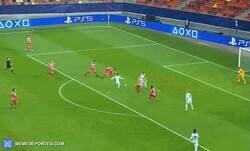 Enlace a No será el más goleador de todos, pero Giroud riega clase por donde pasa