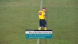 Enlace a Denis Da Silva, árbitro de la Serie A brasileña, se orinó antes del partido con los pantalones puestos.
