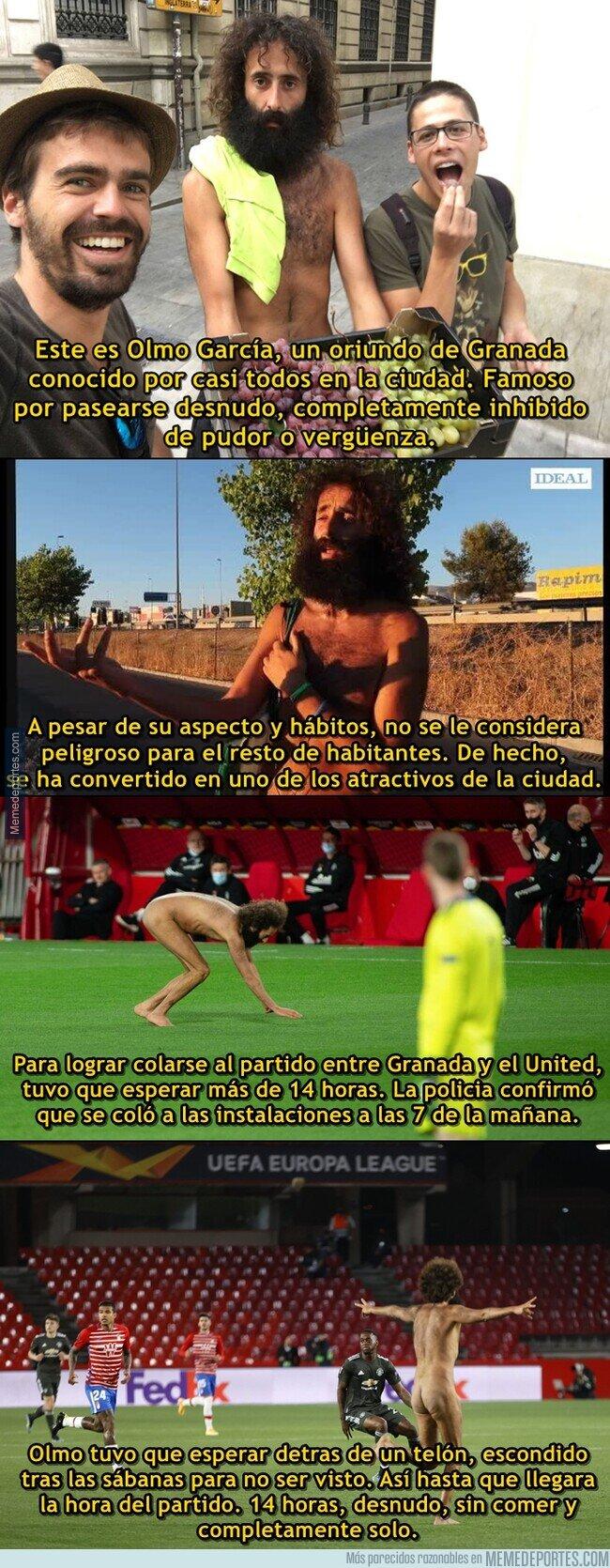1132126 - La historia del espontáneo desnudo que se coló en el partido de Europa League en Granada