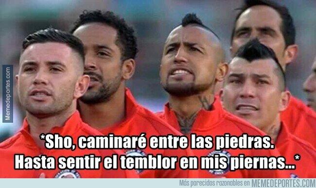 1137950 - Que emotivo cuando suena el himno chileno...