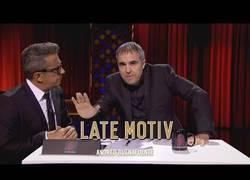 Enlace a La enorme parodia de Raúl Pérez imitando a Antonio García Ferreras en Late Motiv