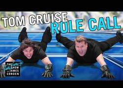 Enlace a James Corden y Tom Cruise haciendo locuras de Misión Imposible